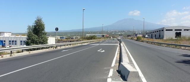 Lmc infrastrutture stradali segnaletica orizzontale - Ingrosso bevande piano tavola ...